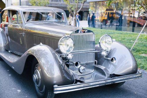 本届进博会上有5辆来自美国的古董车 (4)
