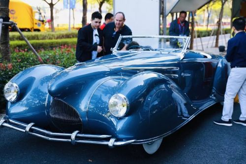 本届进博会上有5辆来自美国的古董车 (3)