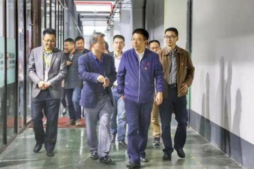 金华开发区党工委书记张旭辉走访企业。倪晗 摄