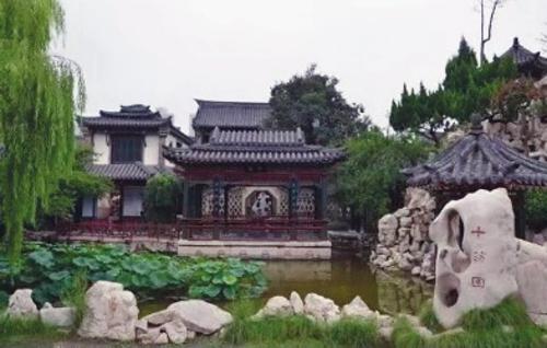 """自2018年10月1日起,潍坊市降低了6个景区、13个景点的门票价格,著名的""""十笏园""""门票降至22元。潍坊市发展改革委/供图"""
