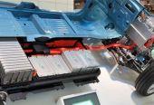 首批新能源车电池报废高峰来临 换电池还是低价卖?