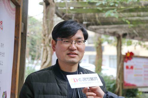 作为年轻干部代表、蒋堂镇纪委副书记俞霄接受中国经济导报记者采访时表示,蒋堂镇有一个团结的班子,更有融洽的学习氛围,在这里可以极佳的锻炼与成长。记者沈贞海 摄