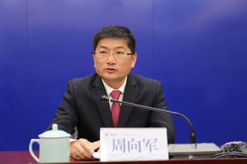 中共衢州市衢江区委书记周向军介绍衢江区发展情况。余晓展 摄