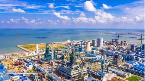 日照市正在加快推进建设世界一流的沿海先进钢铁制造基地。供图:日照市发改委