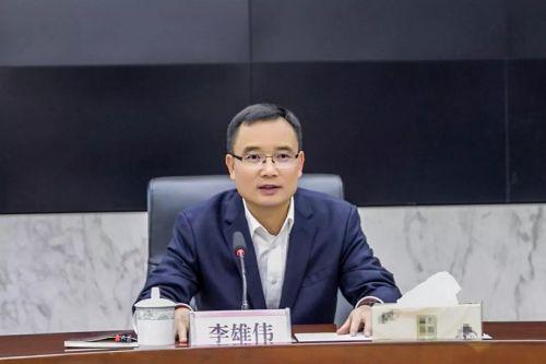 """金东区委书记李雄伟调研""""三服务""""并出席座谈会。缪小芬 摄"""