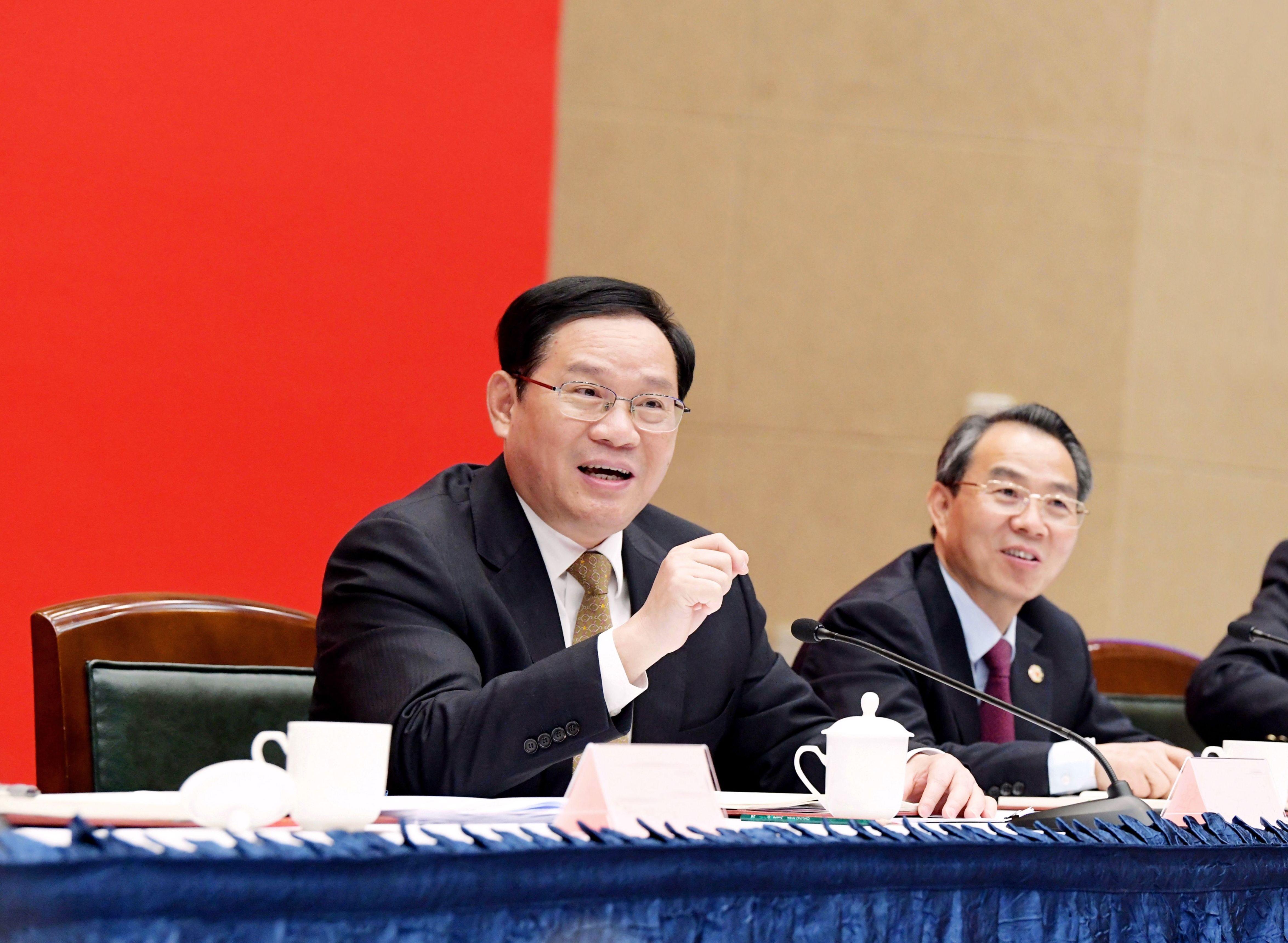李强参加市政协十三届三次会议专题会议  陈正宝 摄(发报纸)