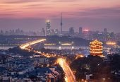 武汉凌晨部署防疫上海快3APP:全面进入战时状态