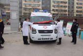 """战""""疫""""线:甘肃通渭一乡贤为县医院捐赠一辆负压救护车"""