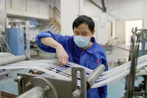 上海石化成功研发熔喷布专用料,日产达6吨