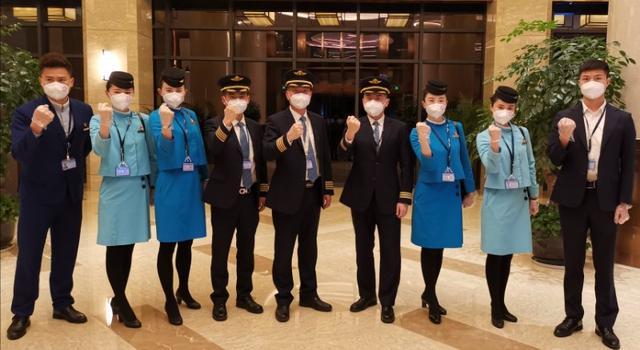 精英机组、乘务组执飞,武汉首个进港航班落地