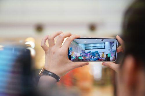 上海电信利用5G网络,通过ARVR技术和正大广场共同打造的全新购物体验