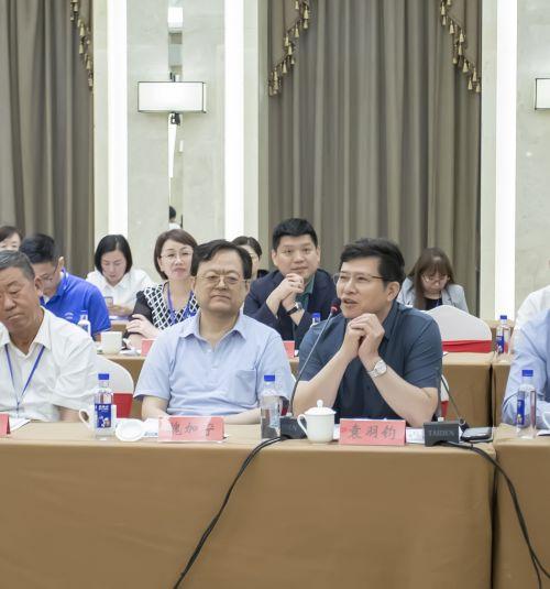 南平市委书记袁毅与中国社科教育首届国际工商管理博士班企业家座谈