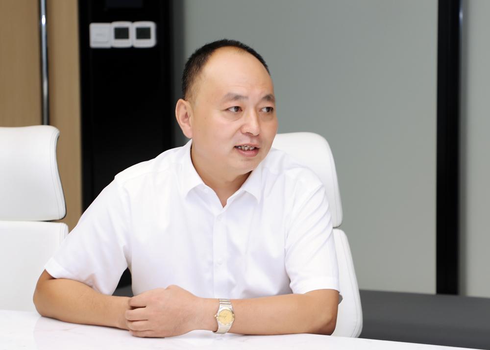 """7月27日,上海市河南商会常务副会长、上海情申实业有限公司董事长刘情义表示,""""我们对中国经济行稳致远"""