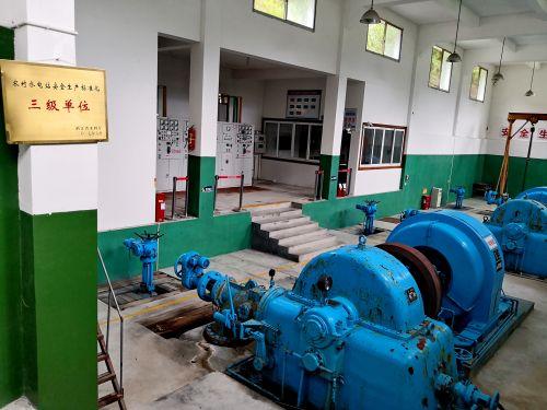 景宁县小水电优势突出,图为某农村水电站发电车间一角。记者沈贞海 摄