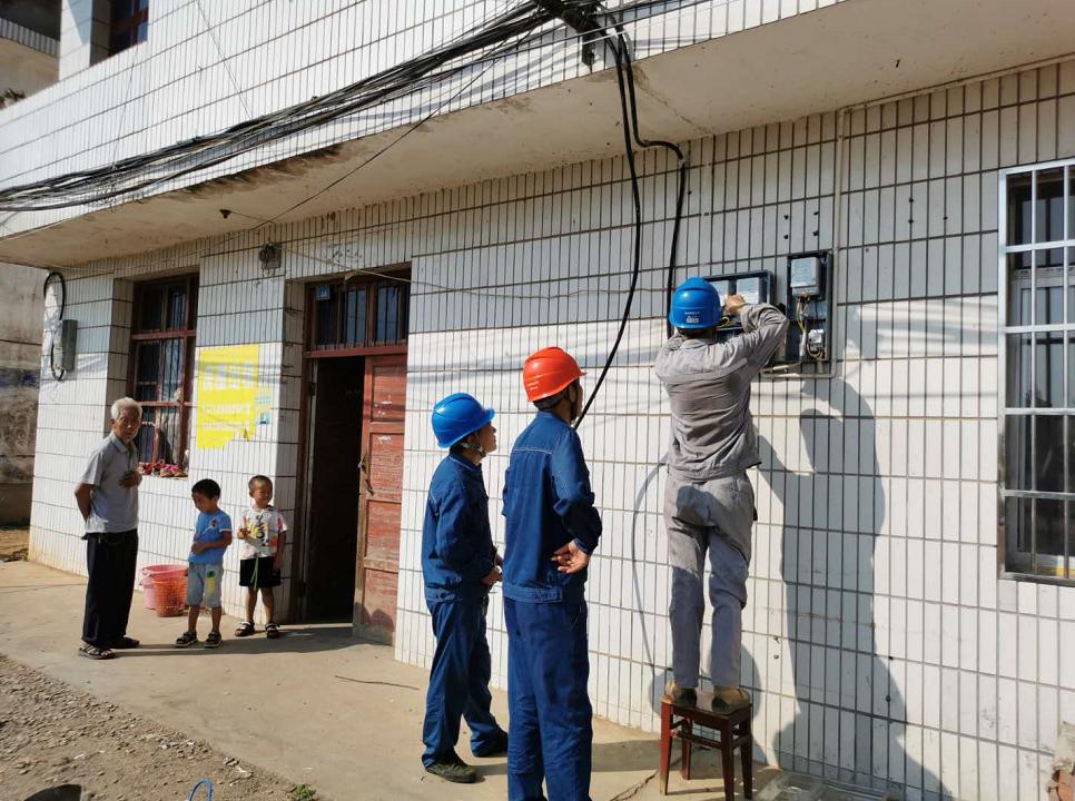 宜丰市宜丰县供电公司:低电压治理 让村民用上舒心电