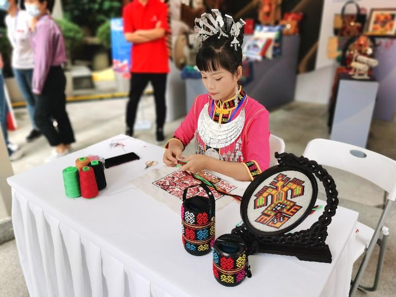 长三角非遗项目集中亮相上海旅游节