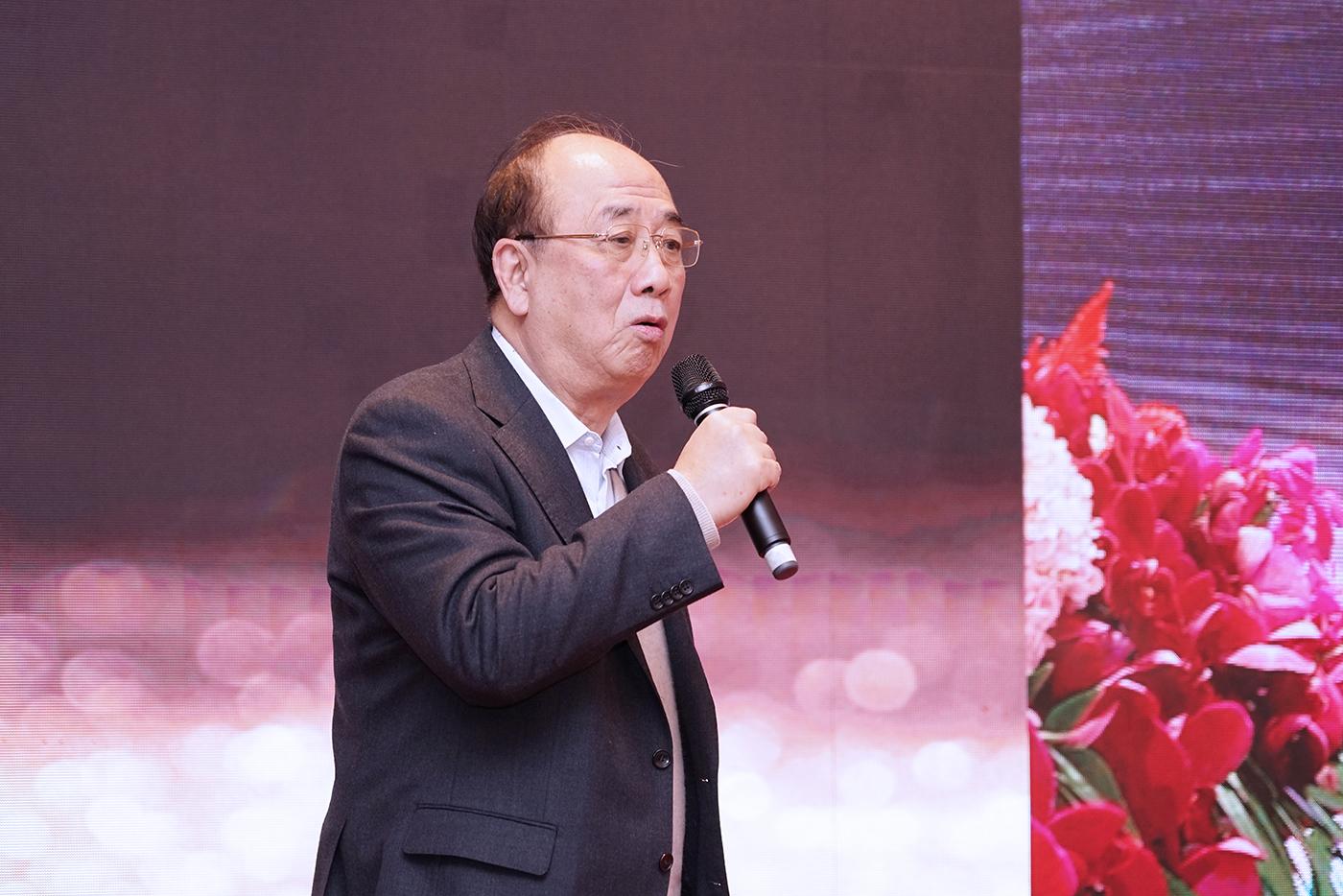 国务院新闻办公室原主任赵启出席开幕活动并致辞。