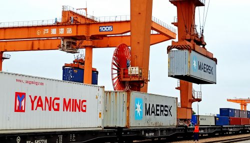上海港前11月海铁联运班列业务量增长迅猛