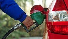 油价二连涨!加满一箱92号汽油多花10元!