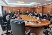 国家发展改革委负责同志主持召开一季度经济形势分析专家座谈会