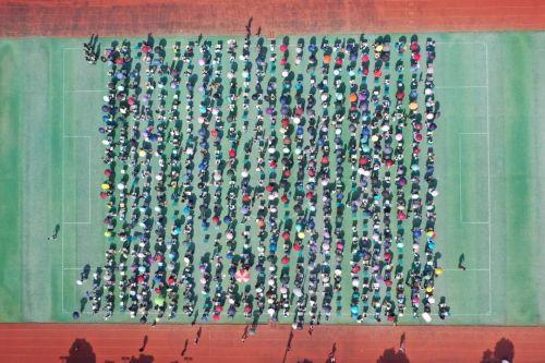从1990年开始,武义县至今已举办30届青少年现场书法大赛,参赛人数累计数万人次。图为5月1日举行的武义县第30届青少年现场书法大赛现场。武义县书法家协会供图