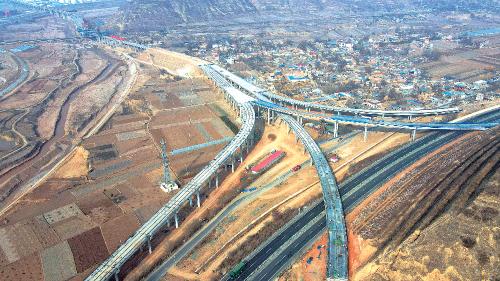 陇漳高速文峰互通。
