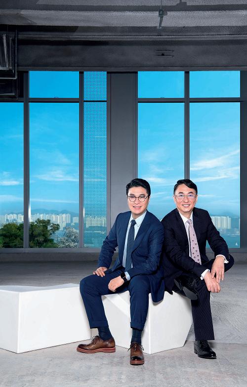 恒基兆业地产集团两位主席李家杰博士(右)和李家诚先生(左)。