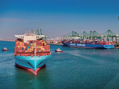 """天津港是国家重要战略资源,是京津冀及""""三北""""地区的海上门户、雄安新区主要出海口,是""""一带一路""""的海陆交汇点、新亚欧大陆桥经济走廊的重要节点和服务全面对外开放的国际枢纽港。"""